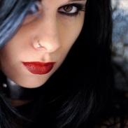 Portrait de Candice Clot chanteuse du groupe Eths