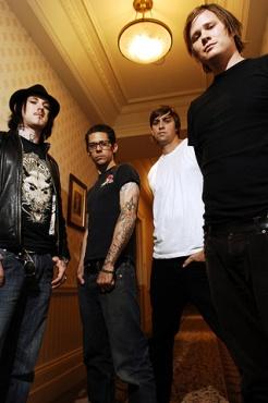 Portrait du groupe Angels and Airwaves