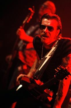 Eagles Of Death Metal en concert au Bataclan