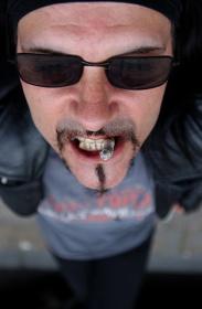 Portrait de Al Jourgensen chanteur du groupe Ministry