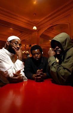 Portrait du groupe de rap français Ofx