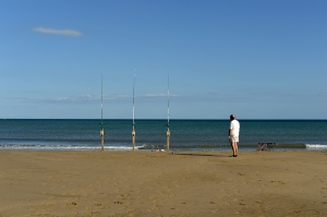 Pêcheur à la ligne à Port la Nouvelle