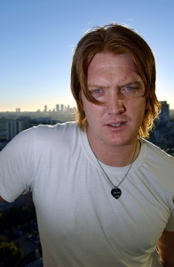 Portrait de Josh Homme du groupe Queens of the Stone Age