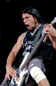 Robert Trujillo et Metallica en concert au Parc des Princes