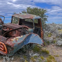 Épave de voiture ancienne en Patagonie Argentine