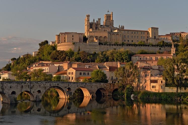 Béziers Le pont Vieux et la Cathédrale Saint Nazaire